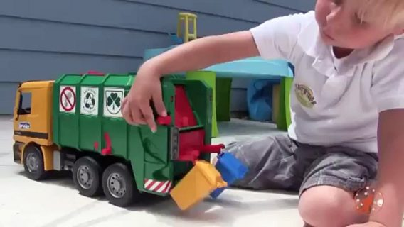 best garbage truck toy kid