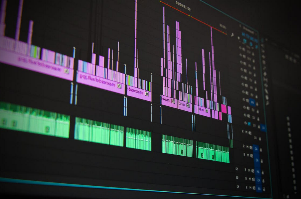 Video Editing Candle Bars Screen